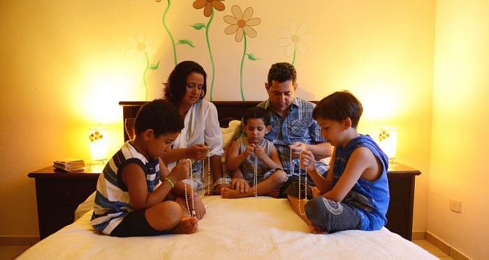 Os 5 distintivos de uma família católica