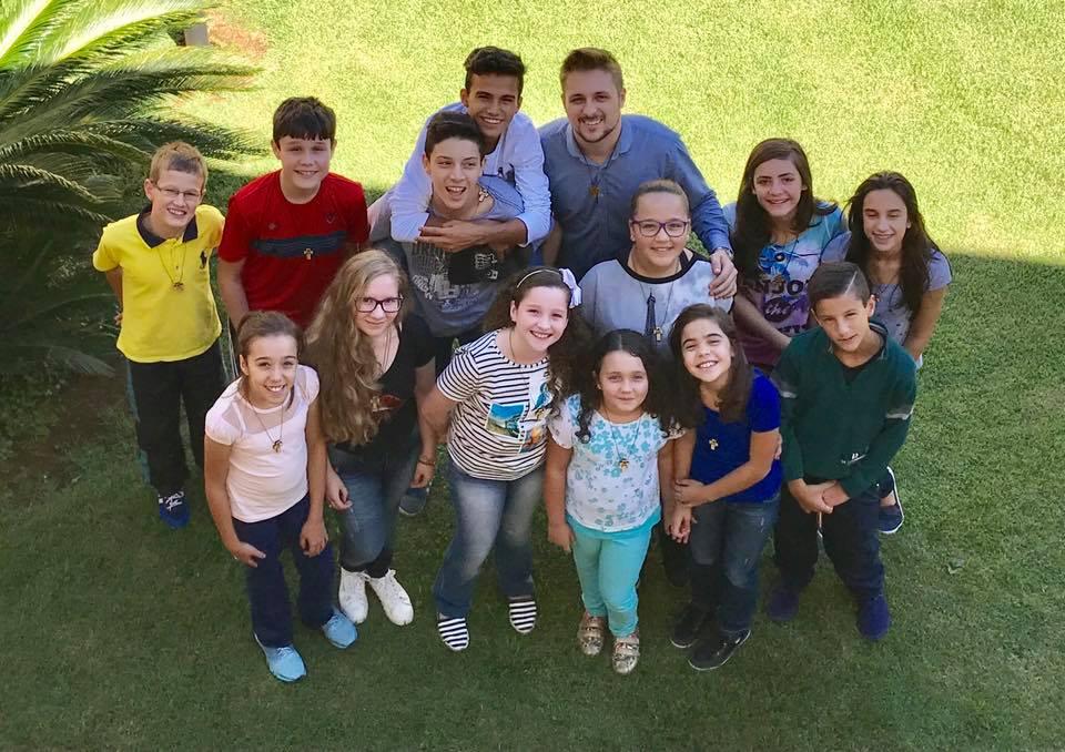 Encontro de Coroinhas no Instituto Videirense