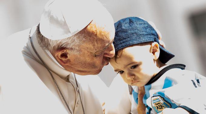 Pentecostes é o aniversário da Igreja e nos presenteia com a esperança, afirma o Papa